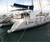 Kat Lagoon 410 S2 chartern in Marina Joyeria Relojeria