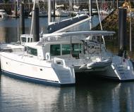Kat Lagoon 420 chartern in Marina de Portimao