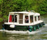 Eau Claire 930 House Boat Charters France