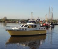Keser Hollandia 1200 C House Boat Charters Germany