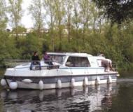 Riviera 1120 - Houseboat Rentals Rogny les Sept Ecluses (France)