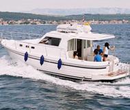 Motor boat Adria 1002 Vektor available for charter in Zadar