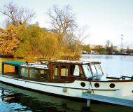 Backdecker Salonboot Motorboot Charter Deutschland