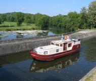 Motorboot Burgundy 1200 Yachtcharter in Marina Vermenton