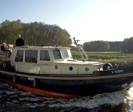 Motorboot Classic Sturdy 35 AC Yachtcharter in Marina Alte Trave