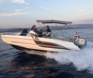 Motorboot Flyer 6.6 Spacedeck chartern in ACI Marina Trogir