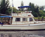 Grand Banks 32 Classic Trawler Motorboot Charter USA
