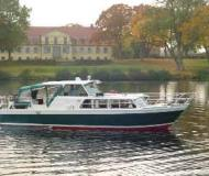 Yacht for charter in Marina Wesenberg