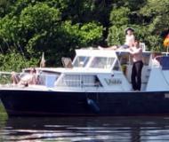 Motoryacht mit 2 Kabinen in Neustrelitz chartern