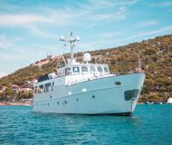 Motoryacht MY Eva chartern in Marine Betina
