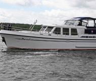 Proficiat 1340 Motoryacht Charter Waren