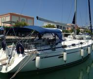 Yacht Bavaria 42 Cruiser available for charter in Lefkas Marina
