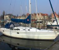 Yacht Catalina 36 - Sailboat Charter Kungsviken
