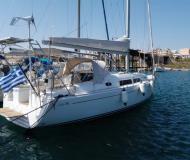 Sailing boat Hanse 370 for hire in Port Lavrio
