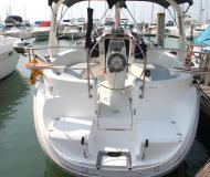 Yacht Hunter 310 for charter in Ko Chang