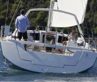 Sailing yacht Oceanis 48 for rent in Cannigione