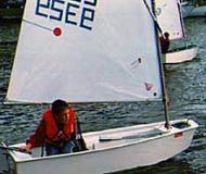 Optimist Segelboot Charter Deutschland