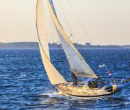 Segelyacht Halberg Rassy 42F Yachtcharter in Hafen von Yerseke