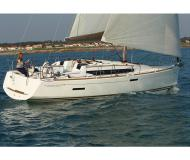 Sailing boat Sun Odyssey 379 for rent in Marigot