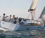 Sun Odyssey 409 Segelyacht Charter Newport