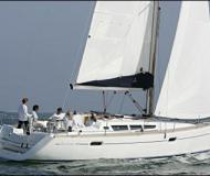 Sailing boat Sun Odyssey 42i for hire in Puntone
