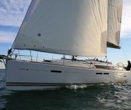 Sailing yacht Sun Odyssey 439 for rent in Alimos Marina Kalamaki