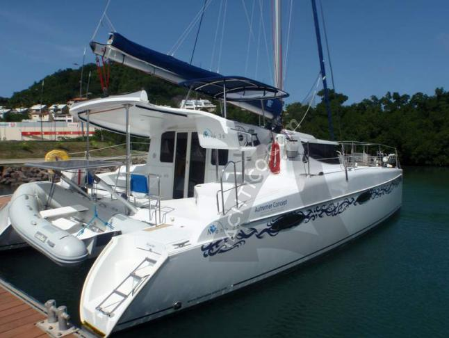 Cat MAHE 36 EVOLUTION for rent in Le Marin