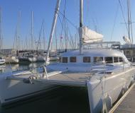 Catamaran Lagoon 380 for hire in Marina San Antonio