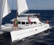 Catamaran Lagoon 380 S2 for rent in Lisbon