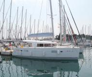 Catamaran Lagoon 400 for charter in ACI Marina Split