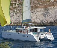 Catamaran Lagoon 400 S2 for charter in Marina Sangulin