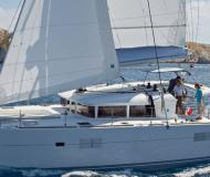 Cat Lagoon 400 available for charter in Vilamoura