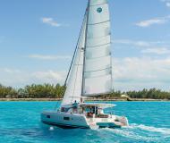 Katamaran Lagoon 42 Yachtcharter in ACI Marina Slano