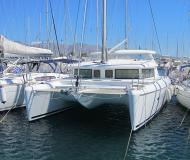 Katamaran Lagoon 420 Yachtcharter in Marina Alimos Kalamaki
