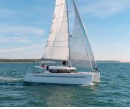 Catamaran Lagoon 450 S for rent in Tourlos