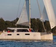 Katamaran Nautitech 40 chartern in Yachthafen von Lavrio