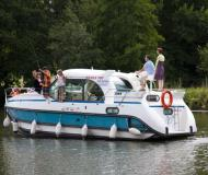 Houseboat Confort 900 DP available for charter in Saverne