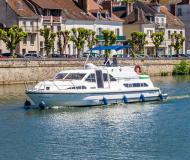 Hausboot Europa 400 Yachtcharter in Marina Fürstenberg