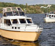 Houseboat Hollandia 1000 C for hire in Marina Bootscenter Keser