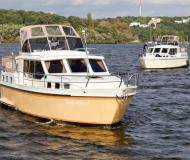 Houseboat Hollandia 1080 C available for charter in Berlin City