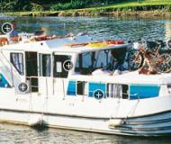 Houseboat Penichette 1160 for hire in Dompierre sur Besbre
