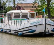 Houseboat Penichette 1400 available for charter in Quigleys Marina
