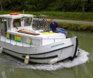 Motor boat Penichette 935 for charter in Marina Briare