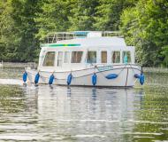 Houseboat Penichette 950 E available for charter in Montesquieu Lauragais