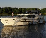 Houseboat Siemer 44 available for charter in Yacht Harbour Priepert