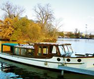 Motor yacht Backdecker Salonboot for hire in Berlin City