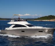 Motoryacht Cyrus 13.8 Yachtcharter in Pula