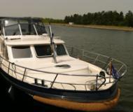 DeDrait Deluxe 42 Motoryacht Charter Berlin