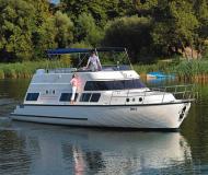Yacht Europa 700 chartern in Marina Fürstenberg