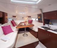 Motorboot First 285 Yachtcharter in Porto Montenegro